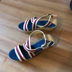 Tommy Hilfiger espadrille sandal •red/blue•8•EUC